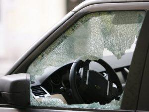 643055-auto-kradez-kriminalita-belgicka-ulice_denik-630